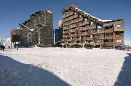 Grand ski dans une station pi�tonne et anim�e